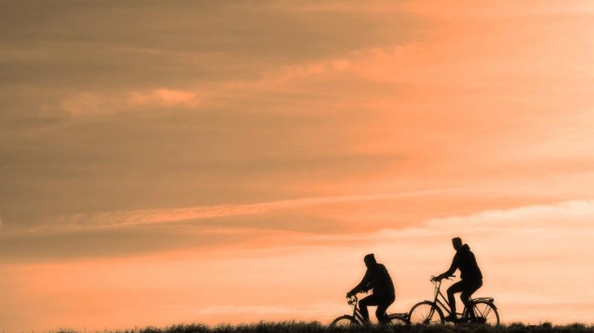 Las actividades de resistencia, o aeróbicas, los ejercicios de fuerza, los ejercicios de equilibrio y los de flexibilidad. Se recomienda buscar el que se adapte a tus necesidades.(Pixabay.)