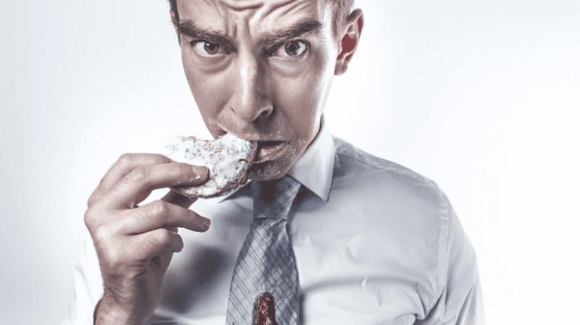 Evitar el consumo de panes y otros postres te ayudará a sentirte mejor.(Pixabay)