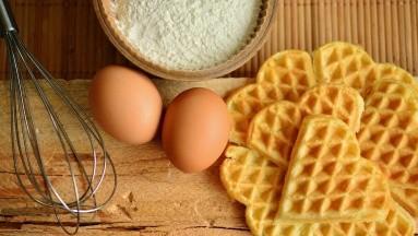 En la dieta de 1.500 y 1.800 calorías, se pueden tomar dos huevos en el segundo plato.