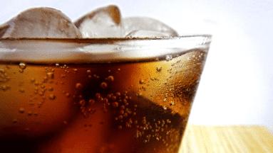 Consumir bebidas azucaradas y comida chatarra aumenta vulnerabilidad ante Covid-19
