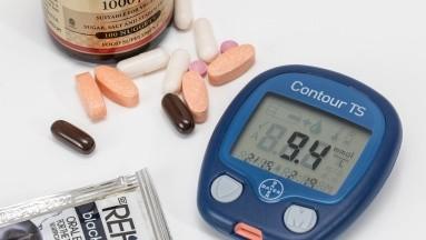 ¿Cómo afecta la falta de vitamina B12 a personas con diabetes?