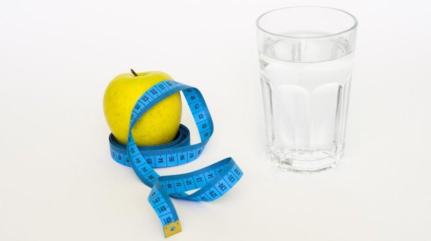 Especialistas recomiendan no seguir dietas improvisadas sin la supervisión de un nutriólogo.(Pixabay)