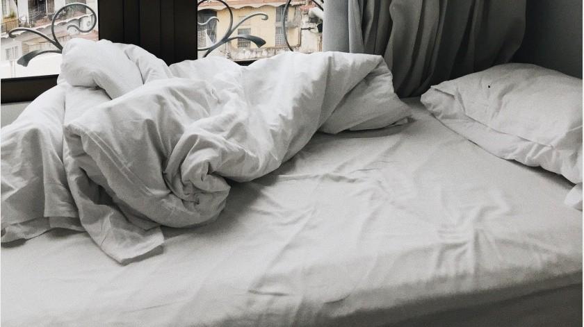 Lavar las sábanas es una tarea del hogar que a veces solemos postergar.(Lina Kivaka en Pexels)