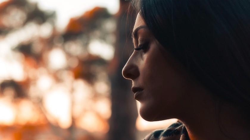 Las mujeres podrían ser más propensas a tener Alzheimer por cuestiones hormonales.(Pexels)