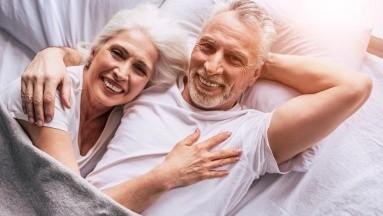 La encuesta encontró que las personasdisfrutan más del sexo durante la mañana. Por eso a continuación compartimos cinco beneficios de tener relaciones a primera hora del día.