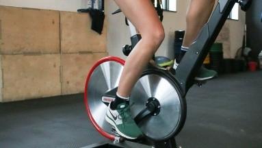 Conoce los beneficios de la bicicleta estática para tu salud física y mental