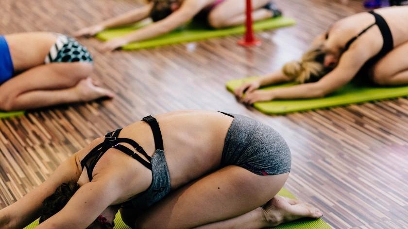 Si sufres dolores menstruales fuertes cada mes, estos ejercicios pueden cambiarte la vida.(Pixabay)
