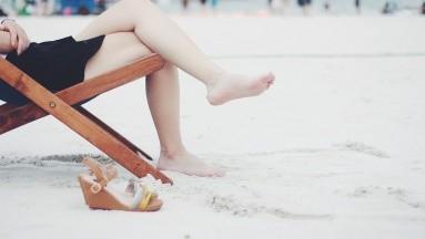 ¿Granitos en las piernas? Te decimos por qué aparecen y cómo eliminarlos
