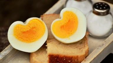El consumo de hasta 4 huevos a la semana es saludable para el corazón: Estudio