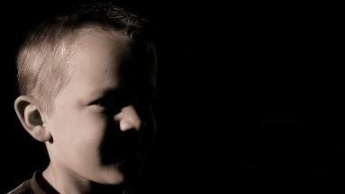 Niños corregidos con castigo físico tienden a ser más agresivos, afirma doctora