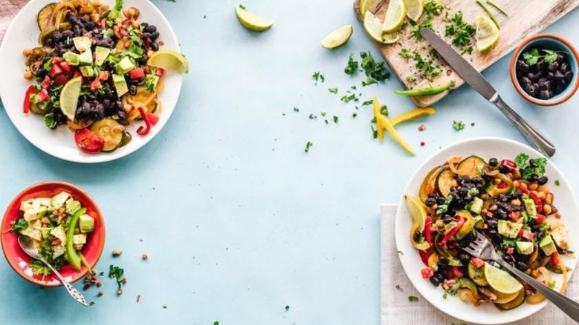 La alimentación es clave para evitar complicaciones de salud como los niveles altos de colesterol.(Pexels)