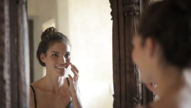 ¿Quieres una piel libre de impurezas? Los cepillos faciales podrían ayudarte