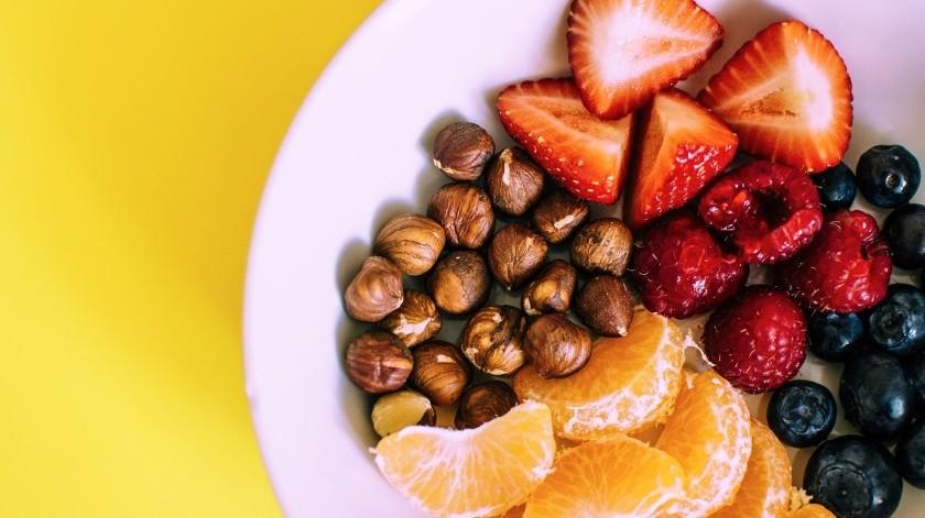 La dieta DASH es el plan de alimentación que podría beneficiar a las personas que viven con hipertensión.(Pexels)