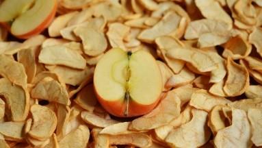 . El tamaño también importa porque una porción es mucho más pequeña que aquella fruta fresca.