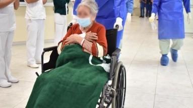 Doña Leonor, de 97 años y con hipertensión, logra vencer al Covid-19