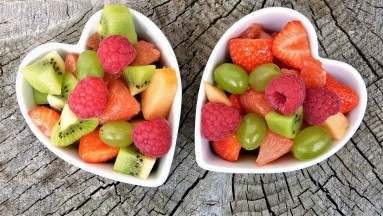Las frutas son ricas especialmente en potasio y magnesio, y además contienen también pequeñas cantidades de calcio y hierro.