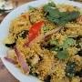 En cuanto a los micronutrientes, en la quinoa destaca el contenido de potasio, magnesio, calcio, fósforo, hierro y zinc entre los minerales, así comovitaminas del complejo B y vitamina E que tiene unafunción antioxidante.