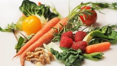 El segundo grupo, se le indicó que sigauna dieta mediterránea regular yle asignaronun plan basado en calorías, así como los mismos consejos de fitness.