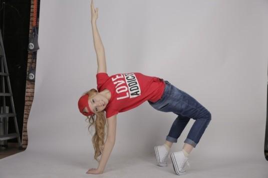 Zumba, hip hop, belly dance o cualquier otro baile puede ser una excelente opción para relajarte y mejorar los cólicos.